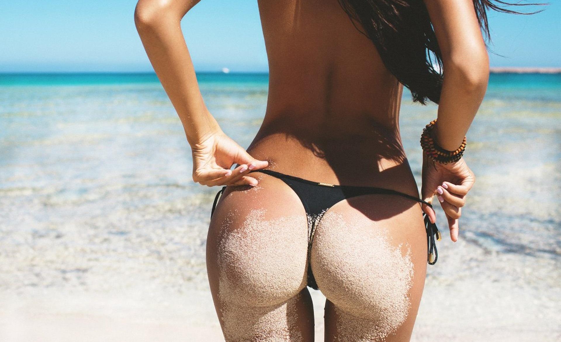Фото загорелых девушек в стрингах, Красотки в стрингах у моря отличная подборка фото 8 фотография